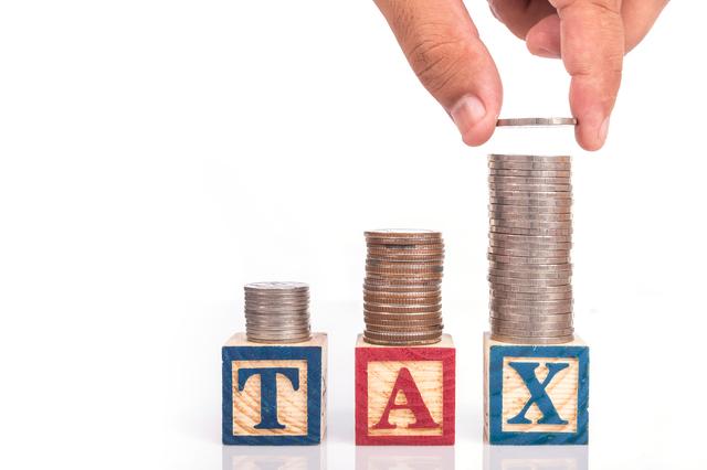 記念品が給与に該当?給与課税の対象になる品と経理処理上の注意点