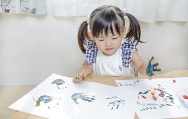 親子でクラフト!手形アートのコツとおすすめアイテム3選